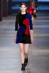 christopher-kane-autumn-winter-2015-look-5__thumbnail